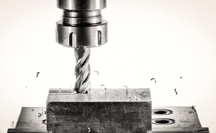 CNC Fräsen eines Bauteils